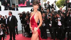 Bella Hadid Lands First Major Beauty Campaign: The Elle Cover Girl, Bella Hadid, just landed her first major makeup campaign with Dior. Sexy Dresses, Satin Dresses, Hipster Outfits, Sexy Outfits, Beautiful Legs, Gorgeous Women, Actrices Sexy, Bella Hadid, Gigi Hadid