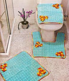 CROCHE COM RECEITA: Tapetes em croche para banheiro azul com flores am...