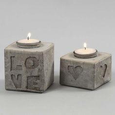 Støbte lysestager i beton med bogstaver og motiver i relief | DIY vejledning
