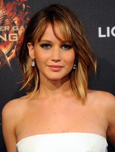 Jennifer Lawrence's ombre bob. See, I'm trying to talk myself OUT of getting bangs & this is not helping.