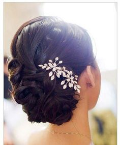 bridal hair pretty!