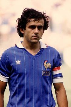 Michel Platini of France at the 1982 World Cup Finals. Football Awards, Football Icon, Retro Football, Football Pictures, Football Stadiums, Sports Photos, Football Shirts, Football Players, Michel Platini