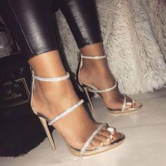 "@ trυυвeaυтyѕ pour plus de ρoρρin Pins❕ - talons hauts - Suivez ✨. @ trυυвeaυтyѕ pour plus de ρoρρin Pins❕ – talons hauts ""Suivez ✨. Stilettos, Pumps Heels, Stiletto Heels, Heeled Sandals, Cute Heels, Lace Up Heels, Frauen In High Heels, Prom Heels, High Heels For Prom"