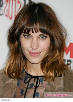 Google Image Result for http://static.becomegorgeous.com/gallery/pictures/alexa-chug-shoulder-length-hair-with-fringe-ponybecomegorgeous.jpg
