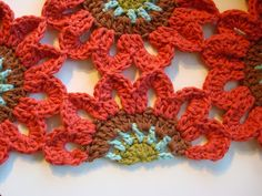 Once Upon A Pink Moon: Half Flower Tutorial - crochet pattern wooow! this is so pretty! Crochet Diy, Crochet Home, Love Crochet, Irish Crochet, Beautiful Crochet, Crochet Flowers, Crochet Square Pattern, Crochet Motif, Crochet Stitches