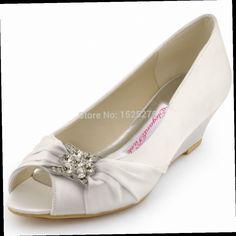 46.99$  Watch now - http://alis3i.worldwells.pw/go.php?t=32238241920 - Fast Shipping WP1403 Peep Toe Bridal Party Pumps Prom Evening Wedge Heels Sandals Rhinestones Satin Women Ivory Wedding Shoes