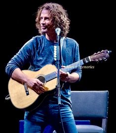 I love this photo, Chris photographed in Canada in respects to the photographer . Feeling Minnesota, Chris Cornell, Pearl Jam, Most Beautiful Man, Seattle, Grunge, Bands, Zeppelin, Singers
