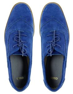 """Oh gah. I NEED blue suede shoes. """"Dontcha step on my blue suede shoes.""""  and it doesn't even matter that they're manly."""