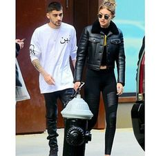 Zayn and Gigi Gigi Hadid Und Zayn, Gigi Hadid And Zayn Malik, Arab Men, Hollywood Life, Sweet Couple, Celebs, Celebrities, My Outfit, Motorcycle Jacket