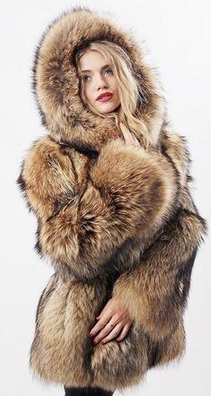 please, cold me a fur coat Fox Fur Jacket, Fox Fur Coat, Fur Coats, Leather Jacket, Chinchilla, Fur Coat Fashion, Women's Fashion, London Fashion, Autumn Fashion