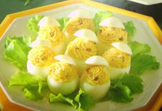 Cena Vegetariana: Uova ripiene ai funghi porcini