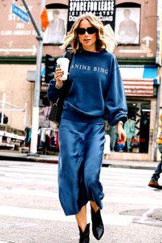 Slip silk skirt steel blue real silk slip midi a-line skirt women skirt clasic bias cut slip skirt trends fall outfits silk satin skirt Sweaters Outfits, Outfits Otoño, Casual Outfits, Fashion Outfits, Womens Fashion, Fall Outfits, Fashion Clothes, Fashionable Outfits, Fashion Tips