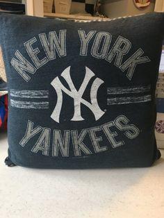 New York Yankees T-shirt Pillow