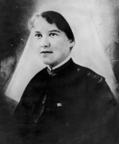 Elizabeth Kenny. Born in 1886, 'Sister' Kenny began practising as a nurse in 1912 and joined the Army in 1915. She used muscle therapy to successfully treat poliomyelitis and established clinics in Australia and overseas between 1933 and 1940.