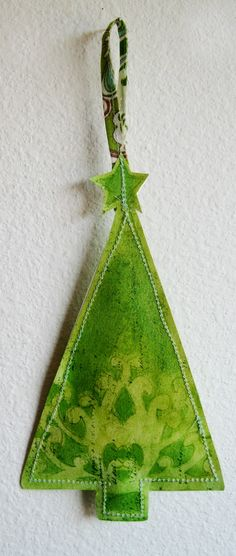 Faber-Castell Design Memory Craft  - If I had Design Memory Craft products, I could make a bunch of these for the Christmas tree!