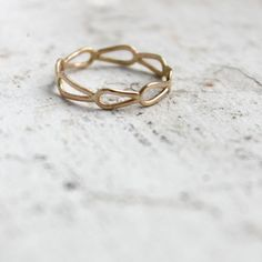 Beautiful, simple wedding band. With matching engagement setting with my green amethyst.