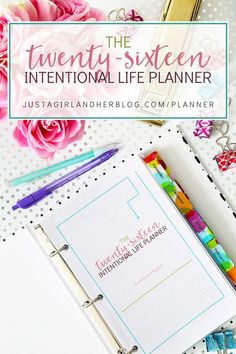Love this beautiful planner that is focused on goals and productivity! I am going to be so organized in 2016! | JustAGirlAndHerBlog.com/planner