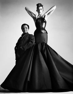 ALAIA Couture F/W 2003 – Molded leather bustier with taffeta skirt, photo by Patrick Demarchelier Patrick Demarchelier, Azzedine Alaia, Editorial Photography, Fashion Photography, Photography Magazine, Beauty Photography, Vintage Photography, Alaia Dress, Bustier Dress