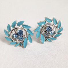 Tiffany Blue Earrings. vintage 50s. Lisner Screw Back. Rhinestones & Enamel Laurel Leaf Wreath. Rockabilly Pinup Girl jewelry. Photo Shoot by…