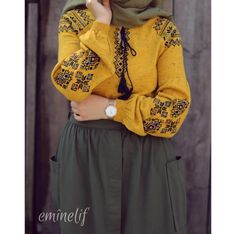 Yellow and oily green Modern Hijab Fashion, Islamic Fashion, Abaya Fashion, Muslim Fashion, Modest Fashion, Fashion Outfits, Fashion Hacks, Hijab Style Dress, Casual Hijab Outfit