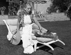 Tamara de Lempicka, the Daring Icon of Art Deco Painting - Artsy Klimt, Art Deco Artists, Art Deco Paintings, Sonia Delaunay, Piet Mondrian, Diego Rivera, Beverly Hills, Tamara Lempicka, Boyish Girl