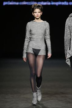Celia Vela. Colección otoño-invierno 2015/2016. 080 Barcelona 080 Barcelona, Vogue, Goth, Fashion Inspiration, Sweaters, Dresses, Style, Fall Winter 2015, New York Fashion
