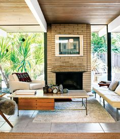 What do an Eichler in San Rafael, a prefab in Emeryville, and a house/gallery in Antwerp have in common? They feature interiors outfitted...