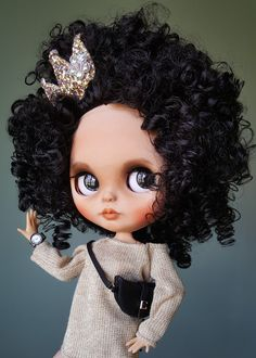 Blythe custom OOAK, blythe custom, blythe doll as a gif by DollsSelivandija Curly Hair Drawing, Creepy Dolls, How To Draw Hair, Blythe Dolls, Art Dolls, Afro, Curly Hair Styles, Pin Up, Etsy Seller