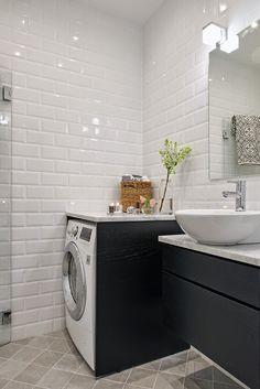 Front loader under useable shelf? Laundry Room Bathroom, Bathroom Spa, Basement Bathroom, White Bathroom, Small Bathroom, Bad Inspiration, Bathroom Inspiration, Diy Interior, Bathroom Interior Design