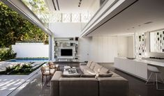 This indoor/ Outdoor living is just amazing. Outdoor Living Areas, Indoor Outdoor Living, Living Spaces, Interior Exterior, Interior Design, Pitsou Kedem, Living Room Interior, Building A House, House Design