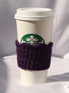 Crochet Scalloped Cup Cozy free pattern.