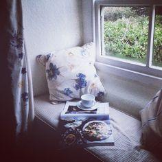 Morning tea in the British countryside. #england instagram: marte_marie_forsberg