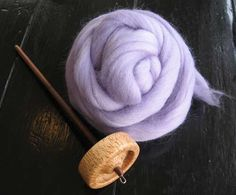 spinning yarn with a drop spindle