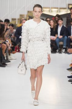 All of the best looks of the Tod's runway collection from spring summer 2019 Fashion Week White Runway, Fashion Week 2018, Designer Collection, Lace Skirt, Peplum Dress, Ready To Wear, Fashion Show, Spring Summer, Couture