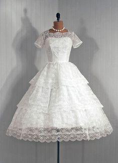 lace vintage wedding dress.