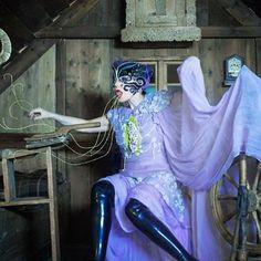 Bjork headpiece by James Merry Neri Oxman, Black Wings, Art Textile, Textiles, Pink Stone, Oeuvre D'art, Black Velvet, Psychedelic, Headpieces