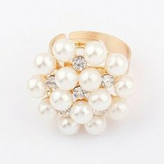 Pearls Decorated Shinning Jewelry Rings