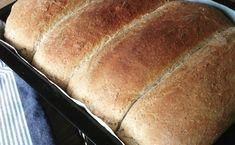 Halvgrove brød med sirup. – Fru Haaland Food And Drink, Syrup, Creative