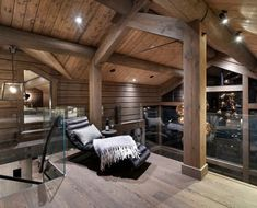 Modern Cabin Interior, Modern Rustic Homes, Cabin Homes, Log Homes, Home Design Decor, Home Interior Design, Loft Room, Home Technology, House In The Woods