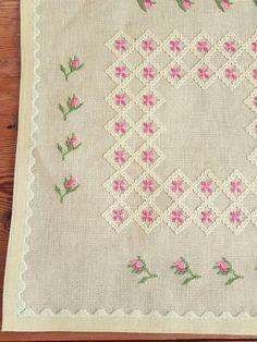 Lovely floral / 13 1/2 x 13 1/2cross stitch