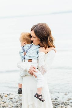 Stephanie Sunderland Photography. Seattle Family Photography. Picnic point park, WA. New York Family Photographer. Life style family photographer. Cute outfits for family photos. Fine art photographer. Natural posing. Beach family photos. #familyphotography