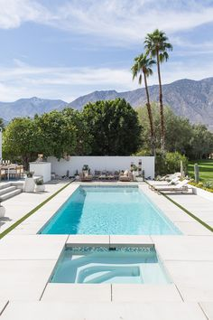 Mid-Century Palm Springs Show House — Kay Genua Designs Small Inground Pool, Swimming Pools Backyard, Swimming Pool Designs, Pool Landscape Design, Landscape Plans, Modern Landscaping, Pool Landscaping, Palm Springs Mid Century Modern, Moderne Pools