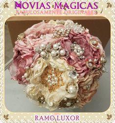 Ramo de Novia o Quinceañera, Hecho a mano, en Mexicali,B.C. By Mony Queen. En la tienda Novias Magicas y Quinceañeras #ramo #bouquet #novia #bride #quinceañera #xv #hechoamano #handmade #mexicali #mexico #vintage #rustic #magic #original #lace #encaje #fabric #floral #magic #fairytale #wedding #boda #bridal #nupcial #glam #flowers #flores #artisan #artesanal #queen #fairy #princess #reina #princesa #hada #luxor #luxury #brooch #broche