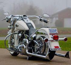 Classic Harley Davidson, Harley Davidson Street Glide, Harley Davidson Motorcycles, Custom Motorcycles, Custom Bikes, Motorcycle Equipment, Motorcycle Gear, Harley Softail, Harley Bikes