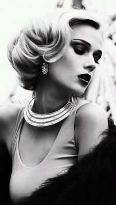 look glamour vintage Glamour Vintage, Vintage Glamour Photography, Black And White Portraits, Black And White Photography, Vintage Hairstyles, Up Hairstyles, Portrait Photography, Fashion Photography, Photography Women