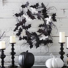 31 Ideas For Stylish Black & White Halloween Decorations