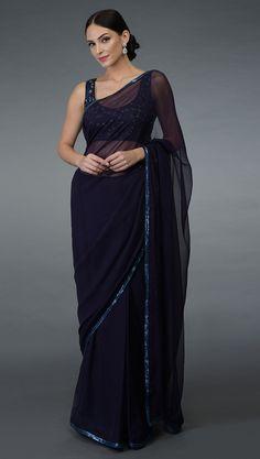 Saree Designs Party Wear, Saree Blouse Designs, Indian Designer Outfits, Designer Dresses, Indian Dresses, Indian Outfits, Sarees For Girls, Bollywood Designer Sarees, Simple Sarees