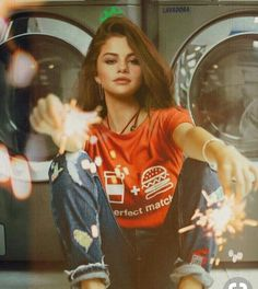 Selena Gomez Is Living Her Best Life in Mexico For Cousin's Bachelorette Party - Celebrities Female Selena Gomez Instagram, Selena Gomez Fotos, Selena Gomez Outfits, Selena Gomez Style, Selena Gomez Tumblr, Selena Gomez Trajes, Selena Gomez Wallpaper, Mode Hippie, Foto Casual