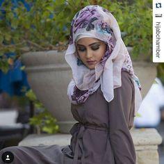 Purple haze #HijabiStyle by @veronacollection! So feminine!