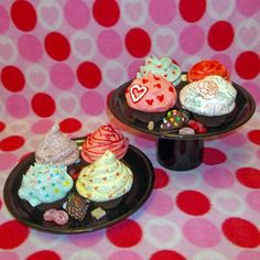 little chocolate boxes that look like cupcakes--the tops are meringues! by VACH.